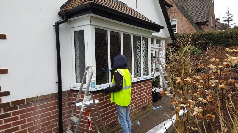 installation-new-bay-window-frame
